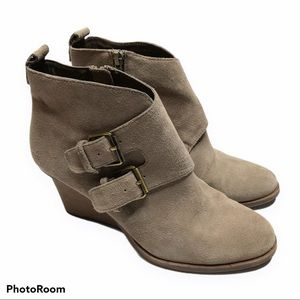 DV by Dolce Vita Wedge Buckle Suede Booties Sz 8